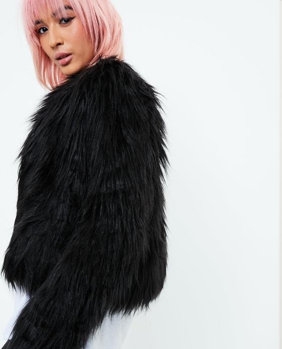 manteau court fausse fourrure noir