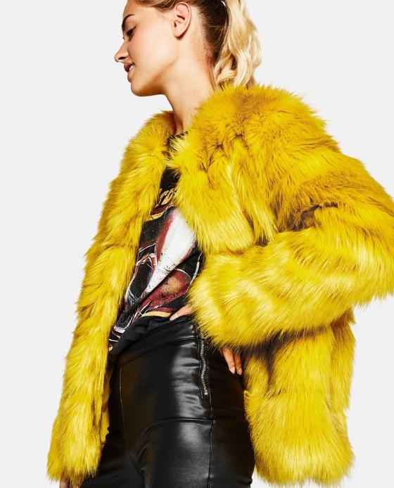 manteau fausse fourrure court jaune