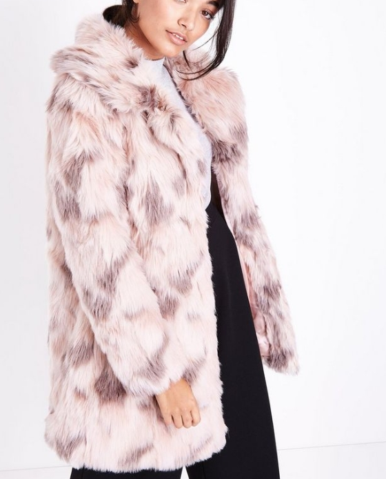 manteau fausse fourrure long rose
