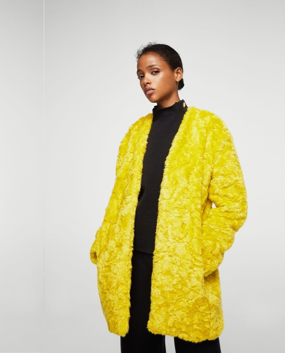 manteau long fausse fourrure jaune