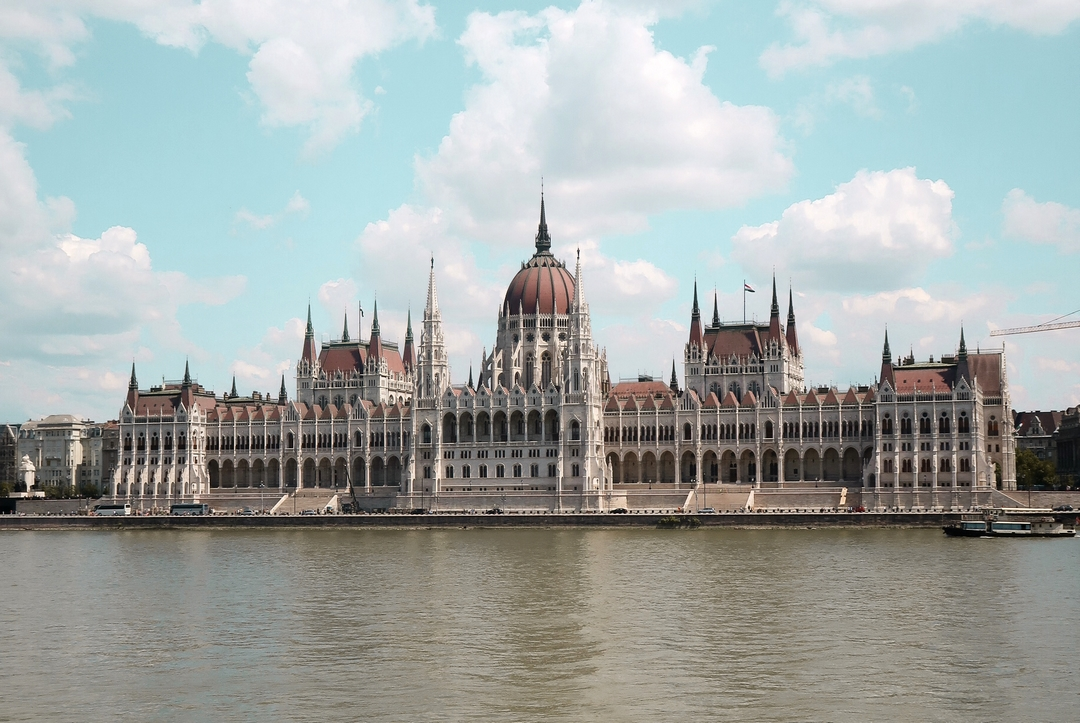 budapest parlement incontournable hongrie