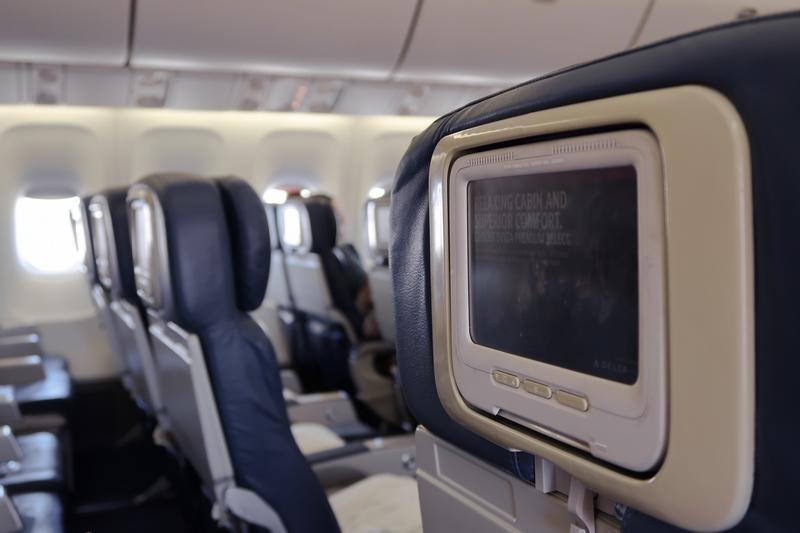 avis avion delta airlines new york